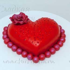 Торт на 8 Марта: Сердце