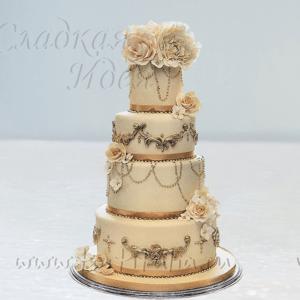Классический торт на свадьбу 007354