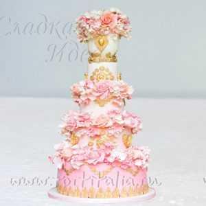 """Торт на свадьбу """"Цветочный фонтан"""""""